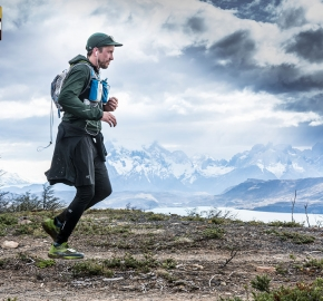 utp1909lues1378; Ultra Trail Running Patagonia Sixth Edition of Ultra Paine 2019 Provincia de Última Esperanza, Patagonia Chile; International Ultra Trail Running Event; Sexta Edición Trail Running Internacional, Chilean Patagonia 2019